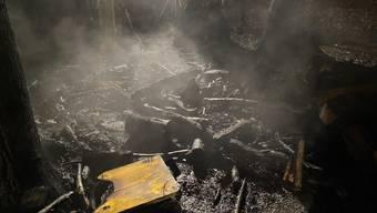 Durch den Brand zerstört.