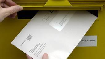 Die Stimmabgabe soll künftig nicht nur brieflich und an der Urne, sondern auch elektronisch möglich sein, findet der Zürcher Regierungsrat.