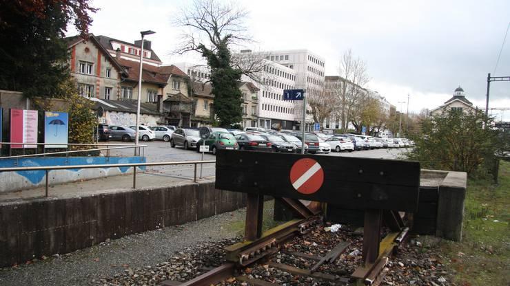 Der künftige Hotspot Westbahnhof vom SBB-Geleise her.