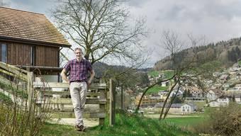 Beat Hügli hat von seinem Wohnort im Gebiet Schäfern in Bottenwil einen schönen Blick auf das Dorf