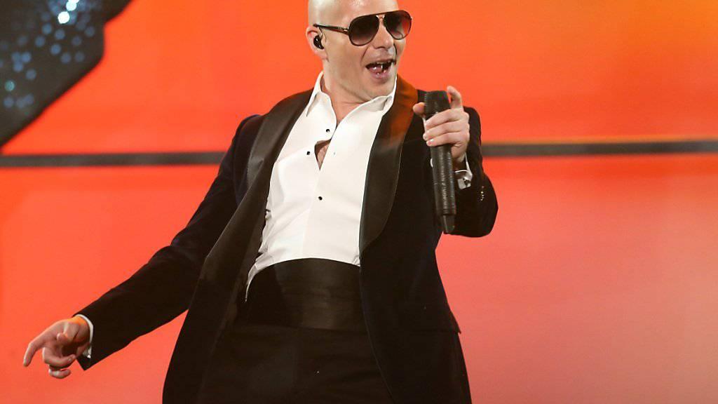 Rapper Pitbull kommt mit seinem neuen Song nicht bei allen gut an. (Archivbild)