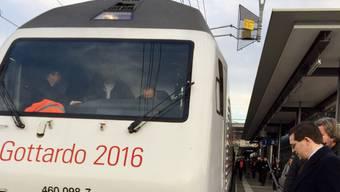 Mission halb erfüllt: Nachdem er die Basler Läckerli in Lugano abgeladen hatte, fuhr der Güterzug mit Panettone im Gepäck wieder in die Deutschschweiz zurück.