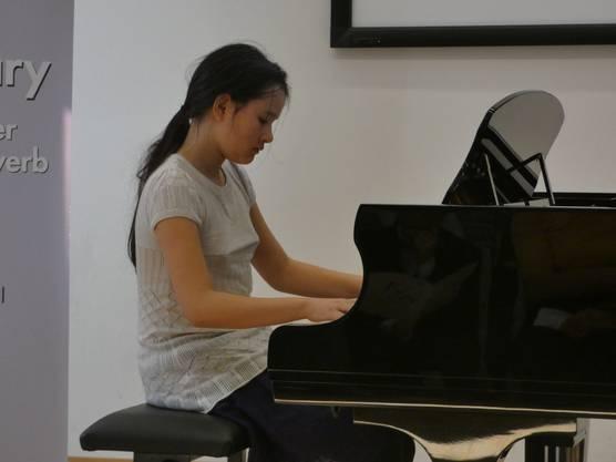 Der21. musikalischer Förderwettbewerb Prix Rotary fand im Chapf Schulhaus in Windisch statt.Elvire Rüfenacht. 2. Preis Klavier 1.