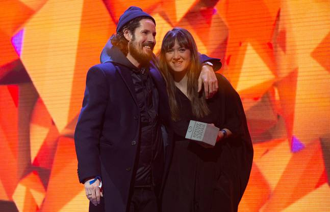 2016 gewann Sophie Hunger einen Swiss Music Award in der Kategorie «Best Artist». Um ihr den Preis zu übergeben, war ihr deutscher Musikerkollege Max Herre extra angereist und lobte die Künstlerin mit den Worten: «Du hast eine der schönsten Stimmen, die ich je gehört habe.»