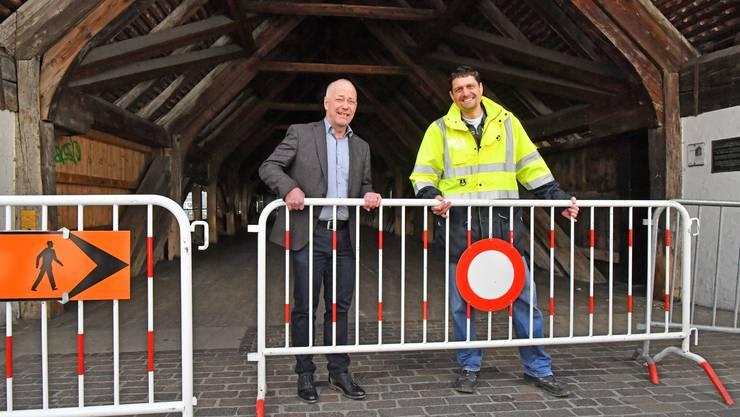 Die Sperrung der Alten Holzbrücke wird am Mittwochmorgen um 11 Uhr aufgehoben.