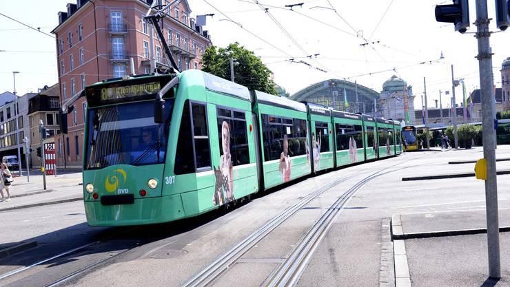 Die Gleisbauarbeiten sind abgeschlossen. Endlich haben die Trams zwischen Bahnhof SBB und Aeschenplatz wieder freie Fahrt.