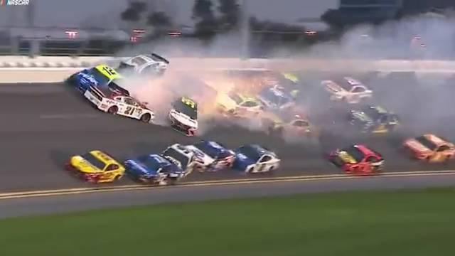 Massencrash an Daytona-Rennen