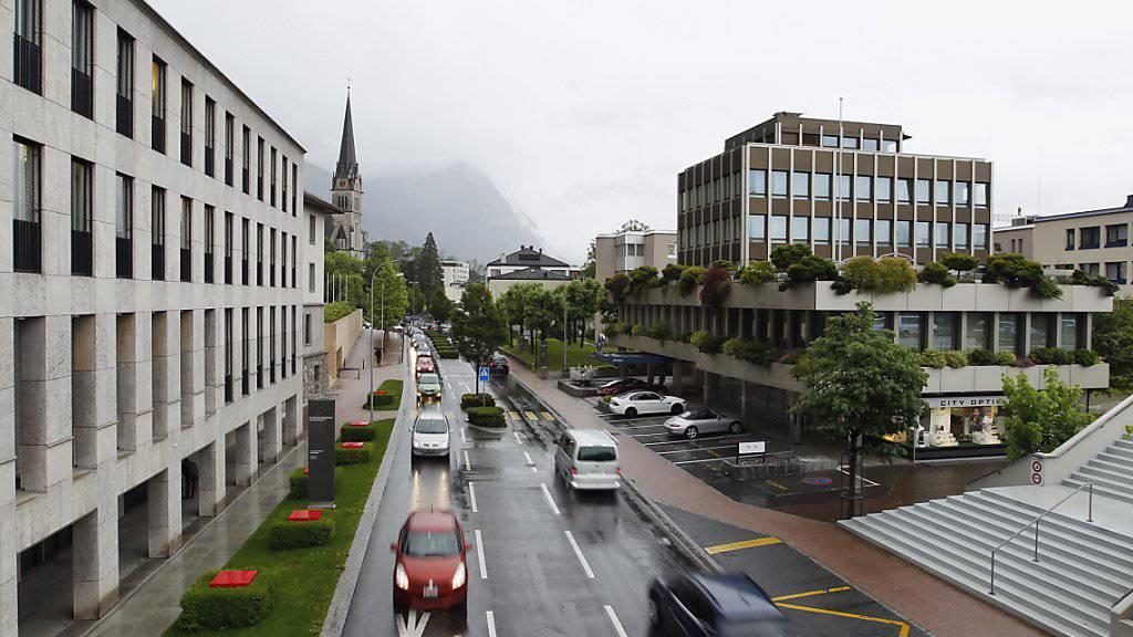 Der Finanzplatz Liechtenstein mit dem Hauptort Vaduz:  Der verurteilte, ehemalige höchste Verfassungsrichter des Fürstentums prellte seine Kundschaft um Millionen von Franken.