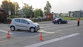 In Uster kollidieren zwei Fahrzeuge