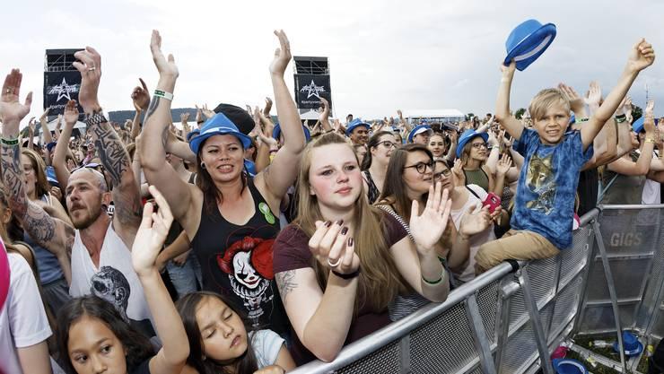 40'000 Menschen feierten auf dem Birrfeld die #partyvomjahr.