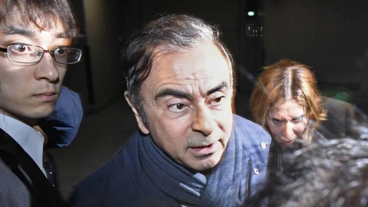 Der abgesetzte Renault- und Nissan-Chef Carlos Ghosn ist Medienberichten zufolge am Donnerstag in Japan erneut festgenommen worden.