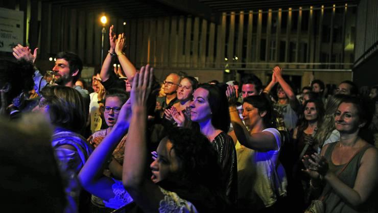 Am Samstagabend spielten in der Markthalle James Gruntz und Šuma Čovjek, in der Kronengasse galt Open Stage.