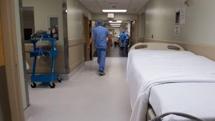 Nach einer Organtransplantation erhalten die Organ-Empfänger einer Prophylaxe. Mehr als die Hälfte ist dennoch von schweren Infektionen bedroht. (Symbolbild)