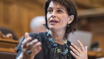"""""""Die Finanzkontrolle ist also auch nicht der liebe Gott"""", sagte Bundespräsidentin Doris Leuthard am Mittwoch im Ständerat. Sie hält auch nicht alle Empfehlungen, welche die Aufsichtsbehörde an die Verwaltung richtet, für sinnvoll."""