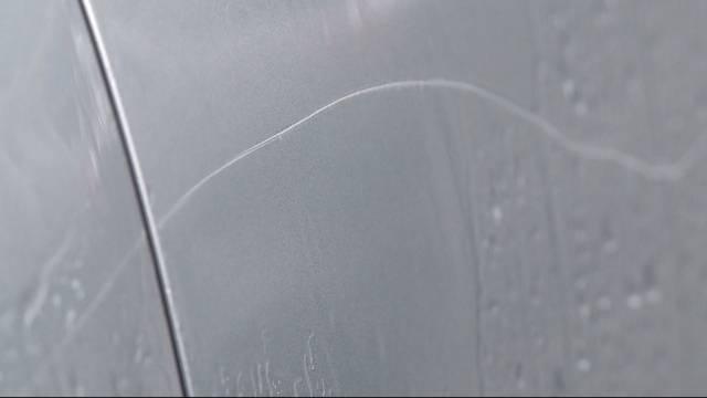19 Autos böswillig zerkratzt
