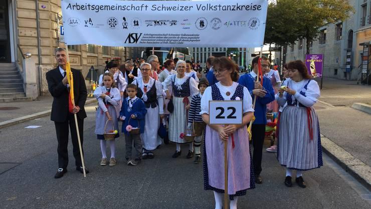 Arbeitsgemeinschaft Schweizer Volkstanzkreise am Umzug