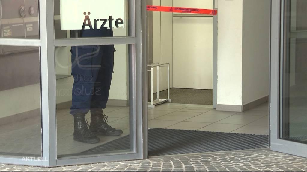 Aargauer Hautarzt schiesst versehentlich auf sich selber