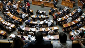Zuschauer verfolgen die Schlussabstimmungen im Nationalrat. Peter Klaunzer/KeYstone