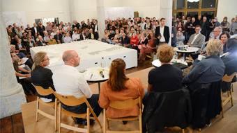 Die Mitwirkungsveranstaltungen zur Solothurner Ortsplanungsrevision bewegte. Im sprich- wie wortwörtlichen Zentrum: Die modellierte Stadt Solothurn.