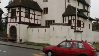 Attraktiv: Die Bürgerlichen wollen mit tieferen Steuern Standortmarketing betreiben; Pratteln sei jetzt schon eine attraktive Wohngemeinde, sagen die Linken. (BZ-Archiv/Zimmer)