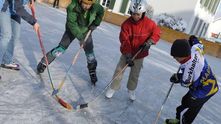 Spenglercup auf dem Lupsinger Gemeindeplatz statt in Davos.