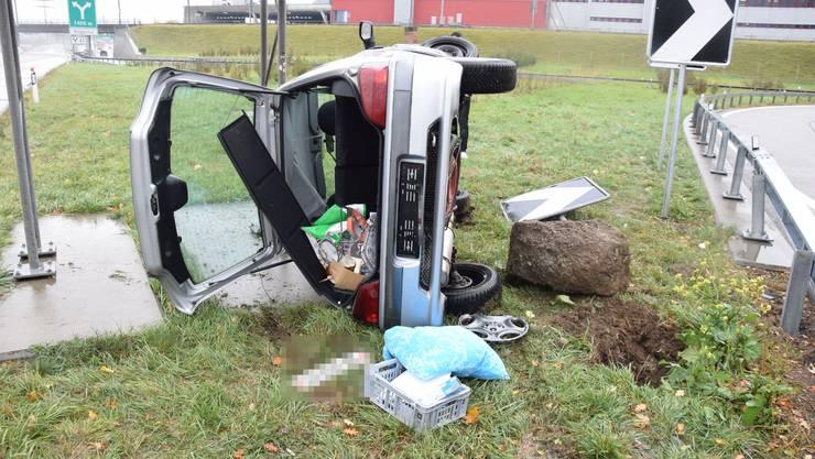 Auf der A1 bei Rothrist kam es auf der Autobahnausfahrt zu einem Selbstunfall.