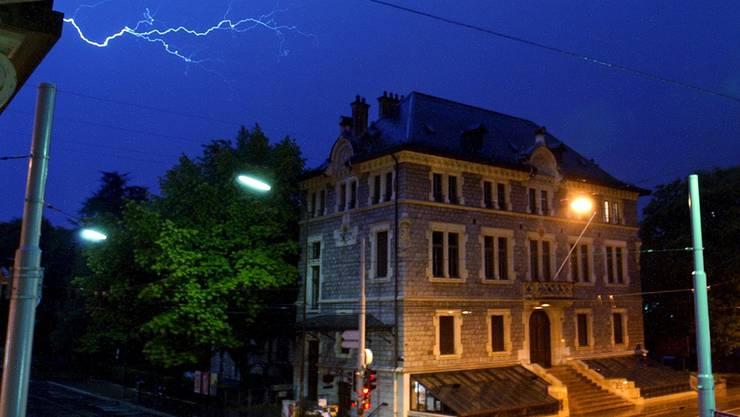 In Genf kennt der Blitz kein Pardon