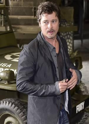 Bei einer PR-Aktion für seinen neuen Film «Fury» am 28. August war der Hochzeitsring an Brad Pitts Hand gut sichtbar.