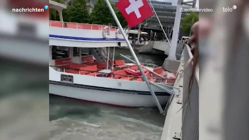 SGV Schiff fährt in Brücke