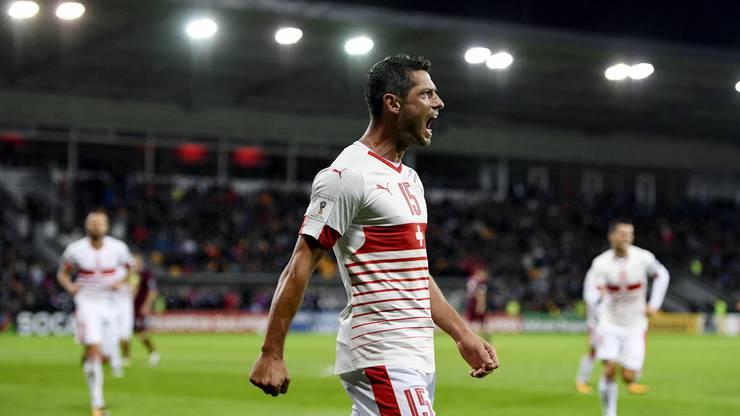 Dzemaili erhöht für die Schweiz auf 2:0.
