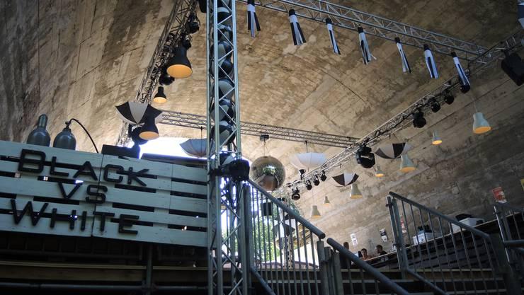 Dicke Luft unter Festbeizen-Betreibern: Vereine, welche keine der beliebten Parzellen unter der Hochbrücke erhielten, stört das Vorgehen von «Black vs. White».