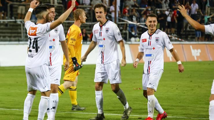 Der FC Aarau feiert den Einzug in den Cup-Achtelfinal.