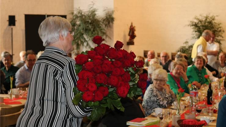 Der Kanton hält weiterhin an den Geschenken für die 100-Jährigen fest. (Symbolbild/Désirée Ottiger)