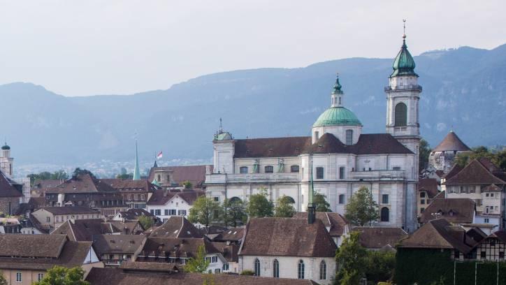 Um je drei Prozentpunkte bei den natürlichen und juristischen Personen sinkt die Steuerbelastung in Solothurn, wenn es nach dem Gemeinderat geht.