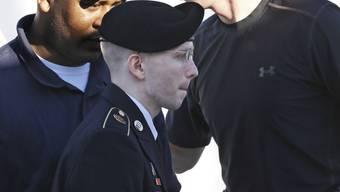 Bradley Manning beim Gang ins Gericht