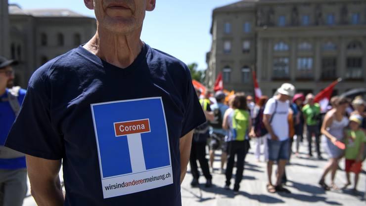 Die Coronarebellen sind unzufrieden mit dem Bundesrat - und lancieren eine Initiative für eine Totalrevision der Bundesverfassung.