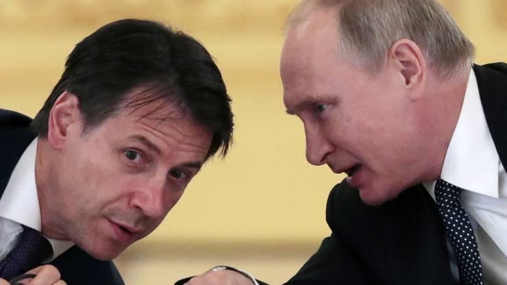 Wladimir Putin (r.) und Giuseppe Conte am Mittwoch in Moskau.