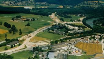 Die Bauarbeiten an der Umfahrung Bremgarten dauerten rund fünf Jahre. Lange bevorzugte der Stadtrat den Bau einer zusätzlichen Brücke – der Vorschlag hatte an der Gemeindeversammlung aber keine Chance.