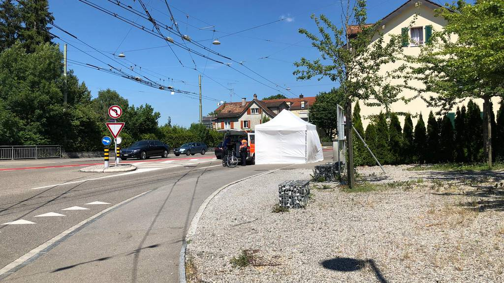 Vor der Fürstenlandstrasse verstarb ein Mann bei einem Vorfall mit dem Velo.