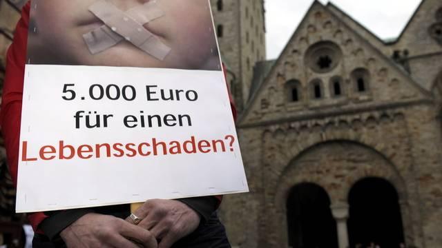 In zahlreichen Ländern ist die katholische Kirche in Missbrauchskandalen involviert (Archiv)