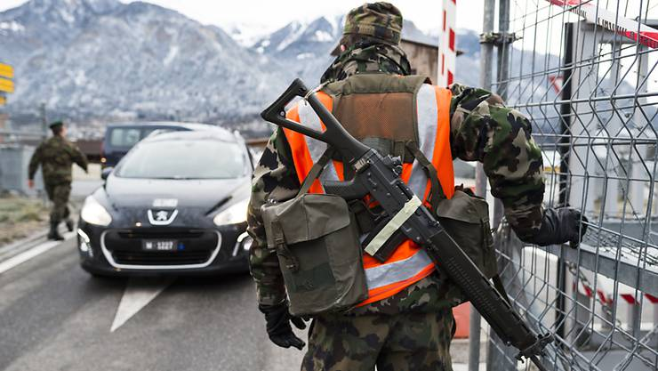 Die Armee bewacht das WEF in Davos auch in den nächsten Jahren. (Archivbild)