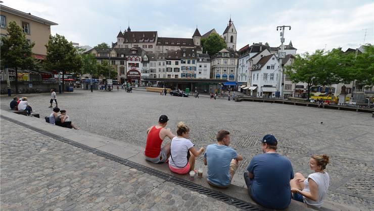 Geht es nach der Basler Regierung, könnte Basel-Stadt nach Glarus der nächste Kanton sein, der Teenager an die Urne bittet. (Themenbild)
