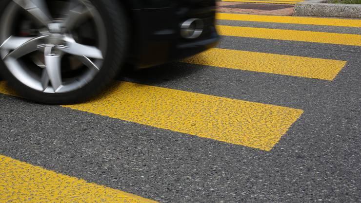Der 55-Jährige wurde beim Unfall mittelschwer verletzt. (Symbolbild)