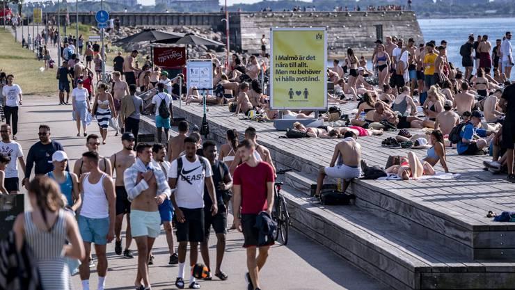 Freibad in der schwedischen Stadt Malmö: Besonders unter Einwanderern grassiert das Coronavirus.