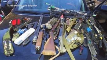 Der Kofferraum vollgestopft mit Waffen: Ein 30-Jähriger aus Suhr war auf dem Weg in den Syrischen Krieg. Die bulgarische Polizei konnte ihn stoppen.