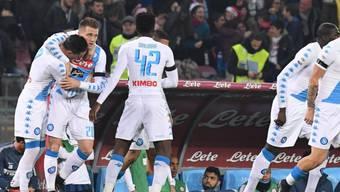 Napolis Kicker jubeln schon nach zwei Minuten über den ersten Treffer gegen Inter Mailand