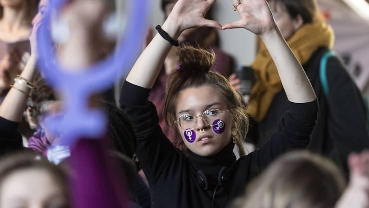 500 Frauen nahmen an den Streikvorbereitungen in Biel teil.