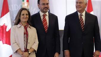 Die kanadische Aussenministerin Chrystia Freeland, der mexikanische Aussenminister Luis Videgaray und ihr Amtskollege Rex Tillerson beim Treffen in Mexiko.