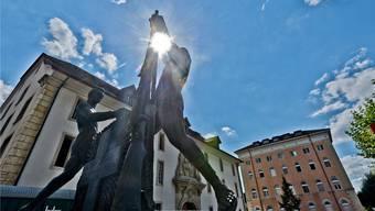 Bald nur noch eine Erinnerung an die Militärstadt? – Das Schützendenkmal vor der Kaserne. Archiv/ Freudiger