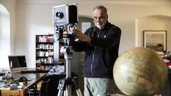 Fotograf Daniel Schwartz  in seiner Wohnung Atelier in Solothurn